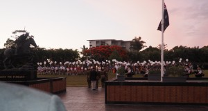 school-childen-overlook-the-rsl-anzac-flame